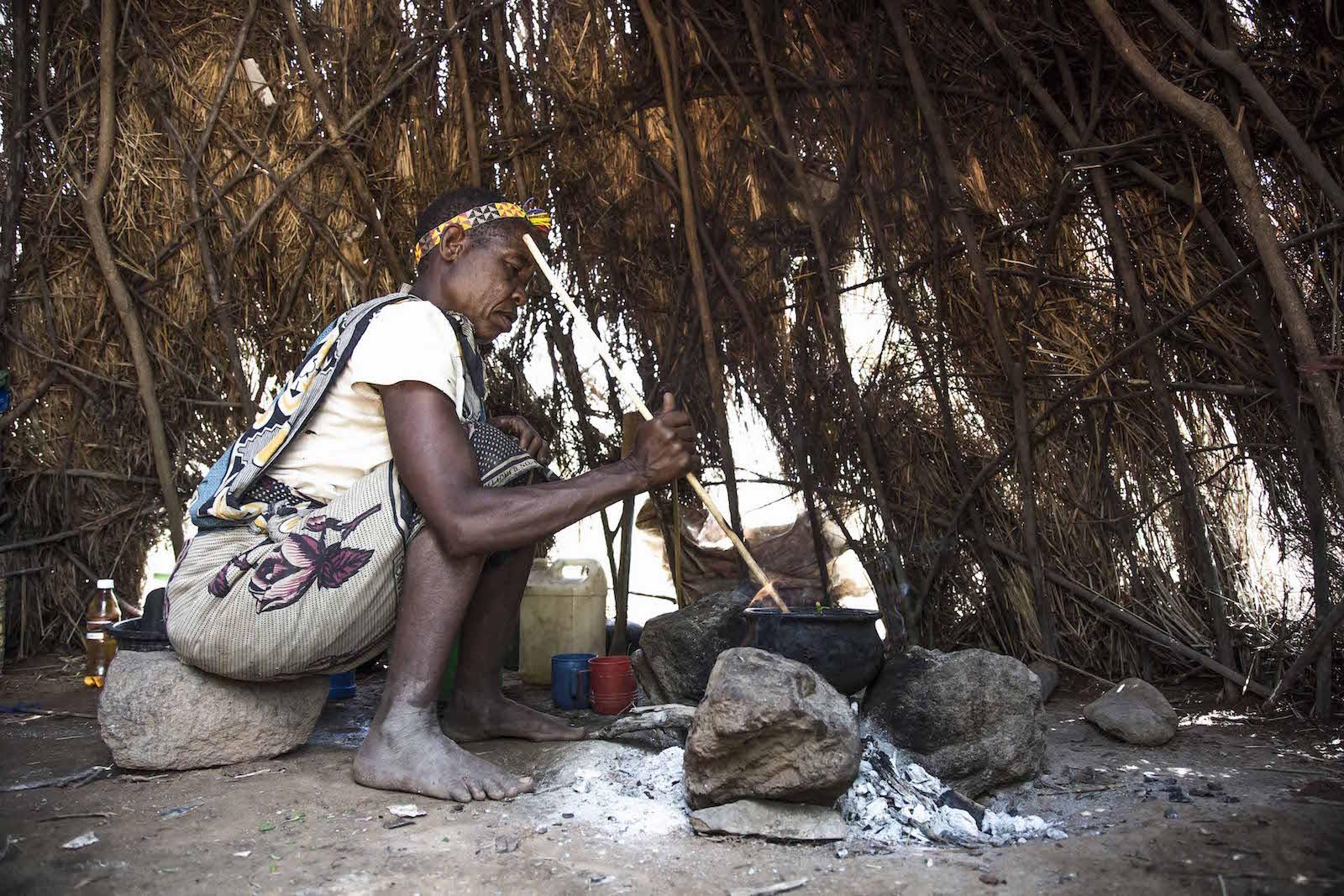 tirage photo ebullition baobabienne chez les hadzabe de tanzanie