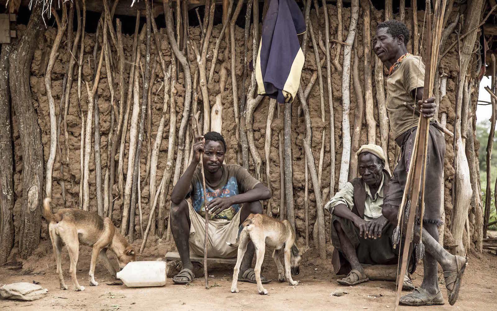 tirage photo sedentarisation chez les hadzabe de tanzanie